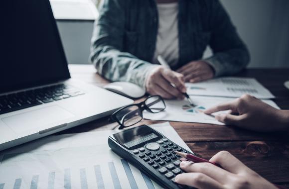 Conheça os regimes tributários brasileiros e os impostos que pequenas e médias empresas não podem deixar de pagar